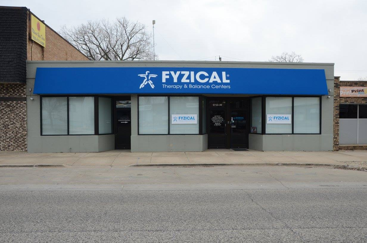 Fyzical Oak Lawn